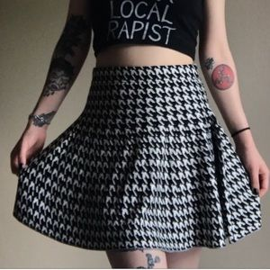 Candie's Knit Houndstooth Skater Skirt
